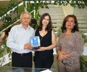 Irmão e filha de José Barbosa recebem placa