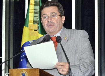 Senador da PB será relator das matérias que tratam da partilha dos royalties do petróleo