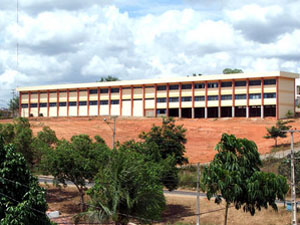 O campus de Guarabira está localizado próximo a rodovia 75, Km 01 – Areia Branca.