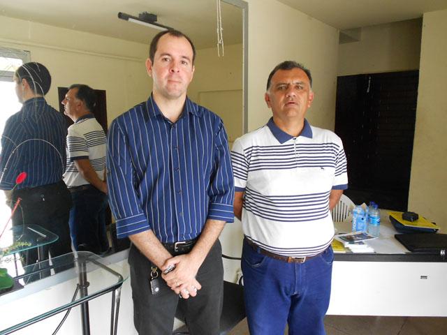 Um dos palestrantes, Dr. Sérgio Túlio e o organizador João Hércules