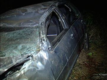 Dois morrem e um fica ferido em capotagem na BR-101, na Paraíba