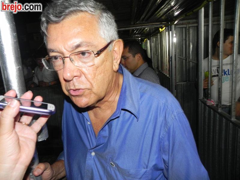 Entrevista: Prefeito Zenóbio Toscano fala sobre a Festa da Luz 2013