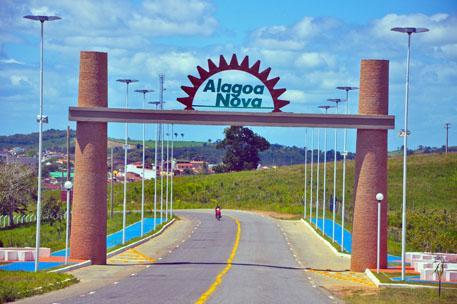 Caminhão do Projeto 'Nossa Energia' estaciona em Alagoa Nova