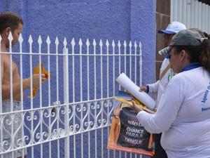 Agentes de saúde visitam bairros com infestação de mosquito da dengue (Foto: Divulgação/PMCG)