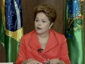 Dilma Rousseff concedeu entrevista na manhã desta quarta (6) (Foto: Reprodução/RBS TV)