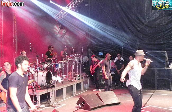 Momentos do Show de Leo Santana na Festa da Luz 2014