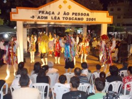Apresentações teatrais e musicais registram sucesso de público em último dia de Mostra de Arte e Cultura Popular