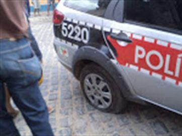 viatura_pneu_seco_por_bandidos_madrugada_dia20