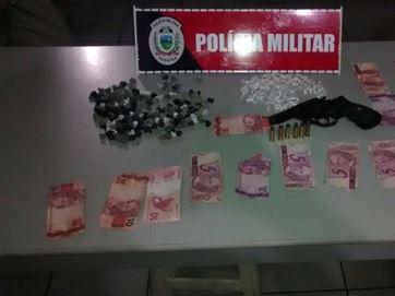 Jovens são presos vendendo drogas durante seresta em aldeia indígena na PB