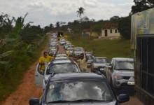 Camila Toscano percorre do Brejo ao Vale do Mamanguape em grande carreata