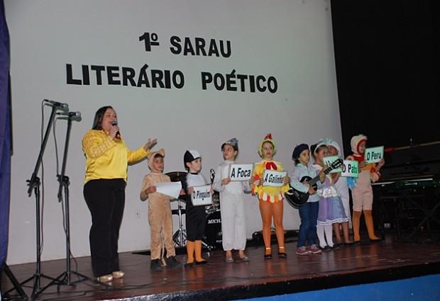 Colégio da Luz realiza 1º Sarau Musical e Literário na XXV SACE