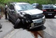 Acidente entre dois veículos na Ladeira de Pedra, no Brejo