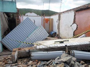 Parede desaba, mata um e deixa outro trabalhador ferido em construção na Paraíba