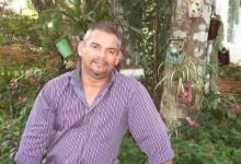 Locutor da campanha de Tião Gomes, morre em acidente de carro na BR-230