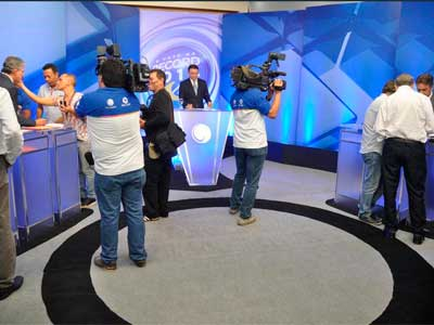 Candidatos: Debate na Correio é tenso e marcado por acusações
