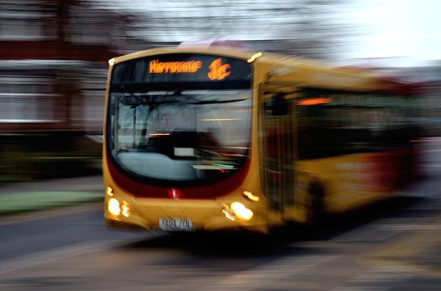 onibus_passageiros_bus-22114_640