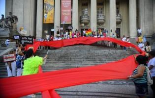 Ato pede o fim do preconceito contra as pessoas com HIV/aids