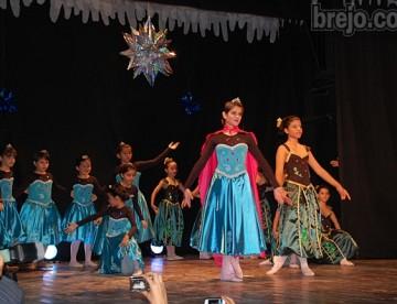 Colégio da Luz realiza a XII Mostra de Ballet, confira as fotos