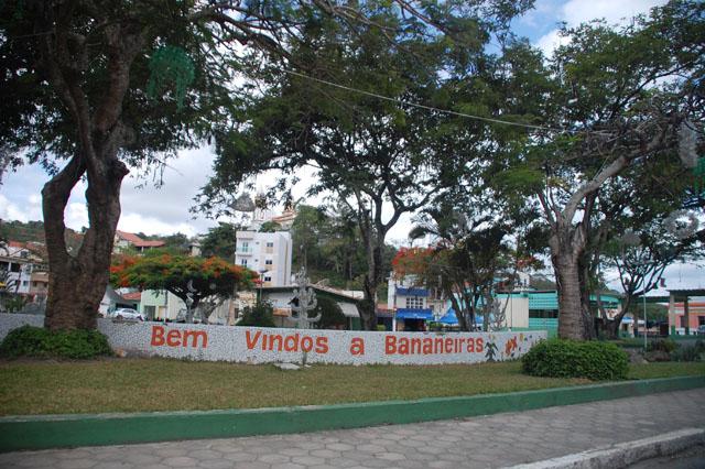 PRAÇA DE BANANEIRAS Foto Gentil Filho - brejo.com