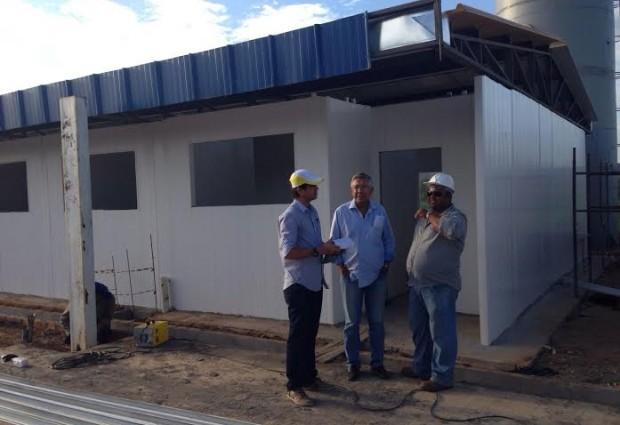 Prefeito Zenóbio acompanha andamento das obras de construção de creche que atenderá 250 crianças no Mutirão