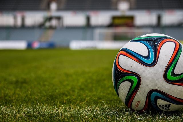 bola_futebol_the-ball-488716_640