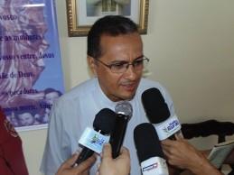Padre Adauto divulga programação religiosa da Festa da Luz 2015