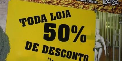 D'Lu Modas oferece 50% de desconto em roupas e acessórios