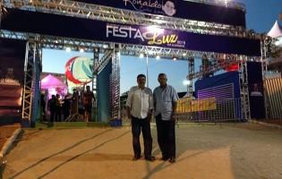 Ronaldo Cunha Lima Filho é recebido por Zenóbio no parque de eventos que homenageia seu pai em Guarabira