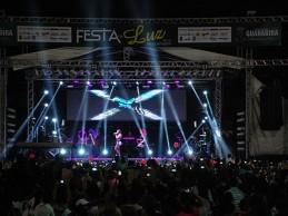 Anitta é destaque no quarto e último dia da Festa da Luz 2015