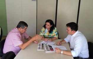 Roberto e Raniery Paulino vão à Cehap pedir moradias para conjunto Lucas Porpino