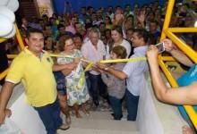 Zenóbio inaugura Shopping Popular e população prestigia qualidade nas instalações