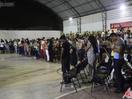 Sara Nossa Terra realiza culto no CIEEC, veja as fotos