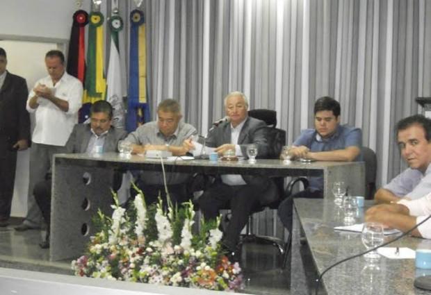 Deputado lamenta ausência de prefeitosdo Brejo, durante visita da Frente Parlamentar das Águas