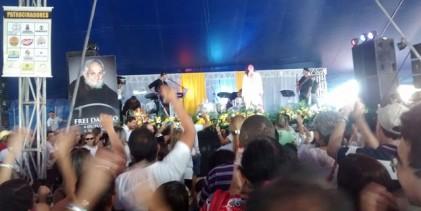 Cantora Joanna emociona público em show na romaria ao Santuário de Frei Damião