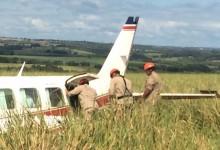 Avião com Luciano Huck e Angélica faz pouso forçado