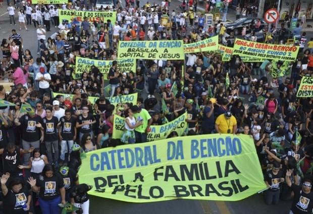 Participantes da Marcha para Jesus no DF pedem fim da corrupção