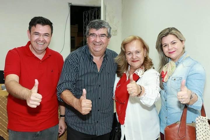 Ex-governador quer candidatura própria e declara voto em Raimundo Lira