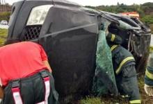 Guarabirense capota carro na BR-230, é levado a hospital e passa bem