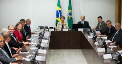 Dilma pede que igrejas mobilizem fiéis na luta contra o Aedes aegypti