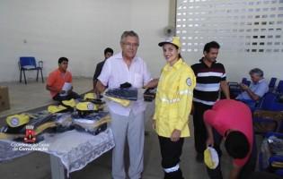 Guarabira: Zenóbio entrega fardamento aos novos agentes de trânsito