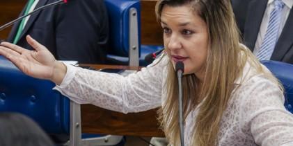 Camila lamenta falta de repasses do Governo do Estado para a AACD de Campina Grande