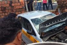 Carro de Auto Escola perde o controle e sai da pista do Detran em Guarabira