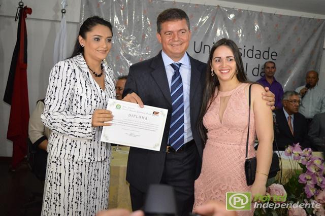 (Drª Zona Hígia Antônia Porto Barreto, Juíza da 10ª Zona Eleitoral; Prefeito de Araçagi, Murilo Nunes ao lado de sua esposa)