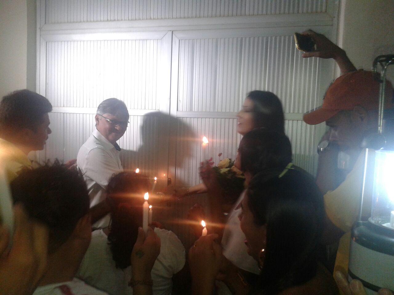 posse_em_piloezinhos_a_luz_de_vela