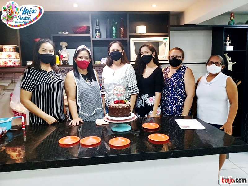 mix-festas-e-descartaveis_Curso_Torta-de-Chocolate (5)